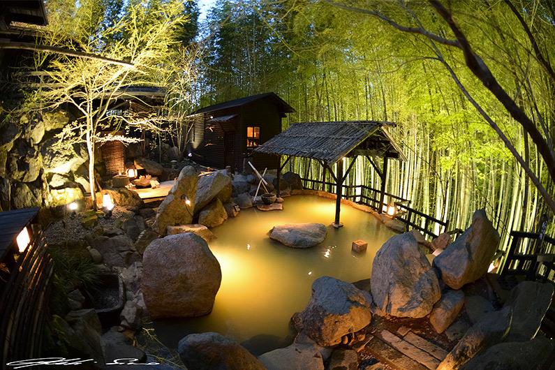 outdoor-onsen-japan
